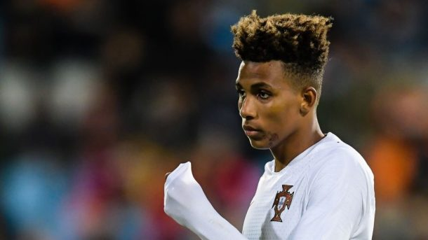 Chelsea and West Ham bid for Gedson Fernandes