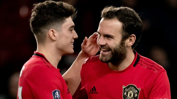 Manchester United advances in FA Cup