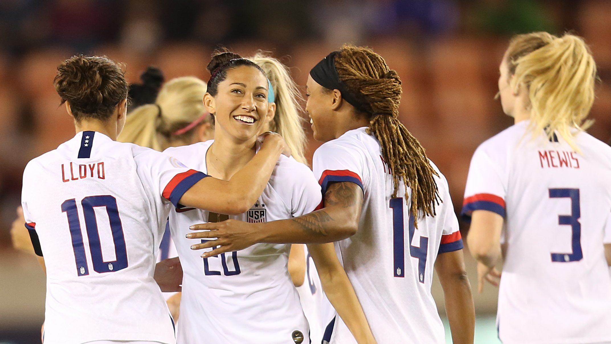 USWNT wins Olympic qualifying group with Costa Rica rout (video)