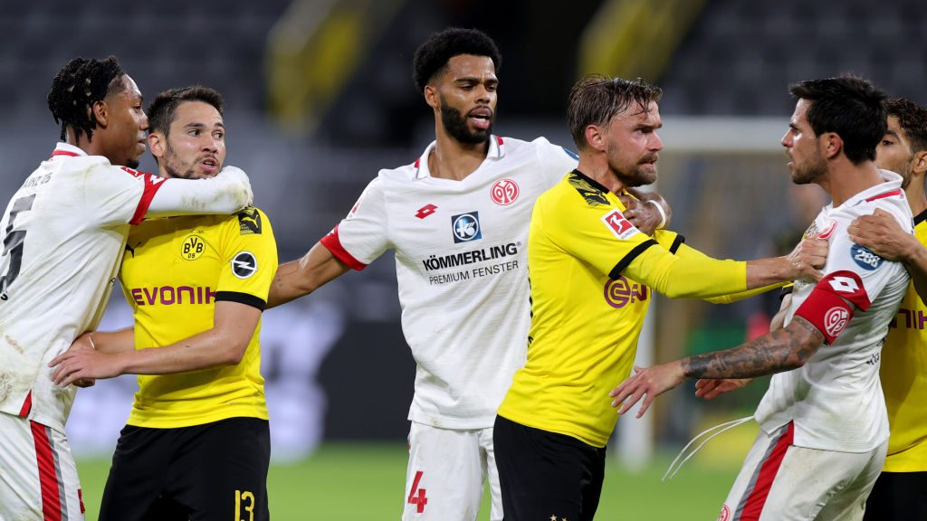 Bundesliga Wrap Dortmund Leipzig Both Drop Points As Bayer Wins