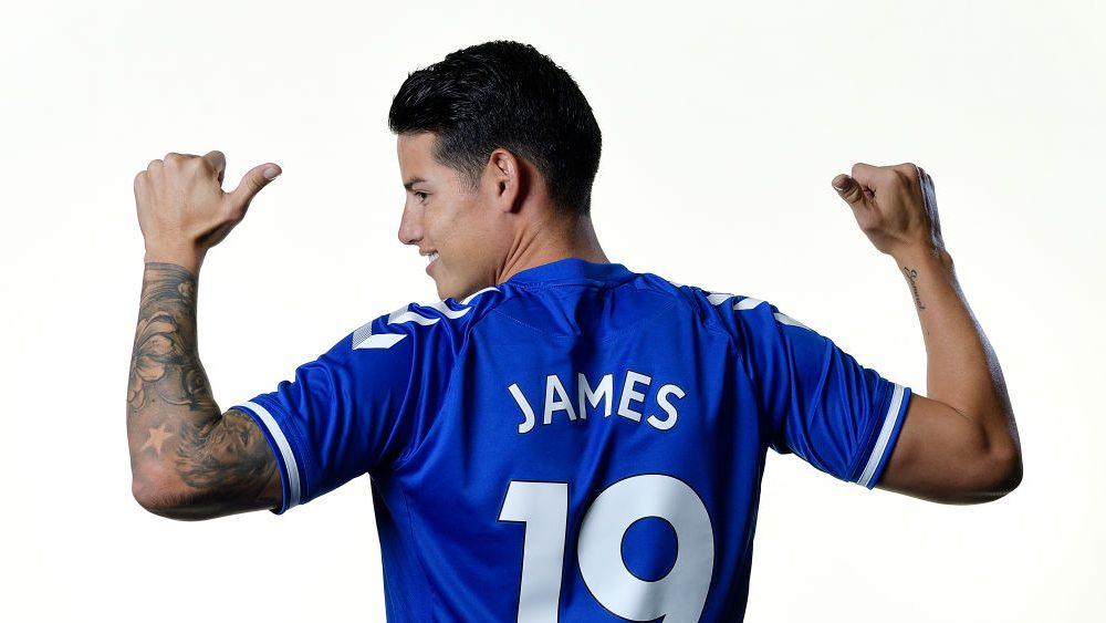 James Rodriguez signs for Everton