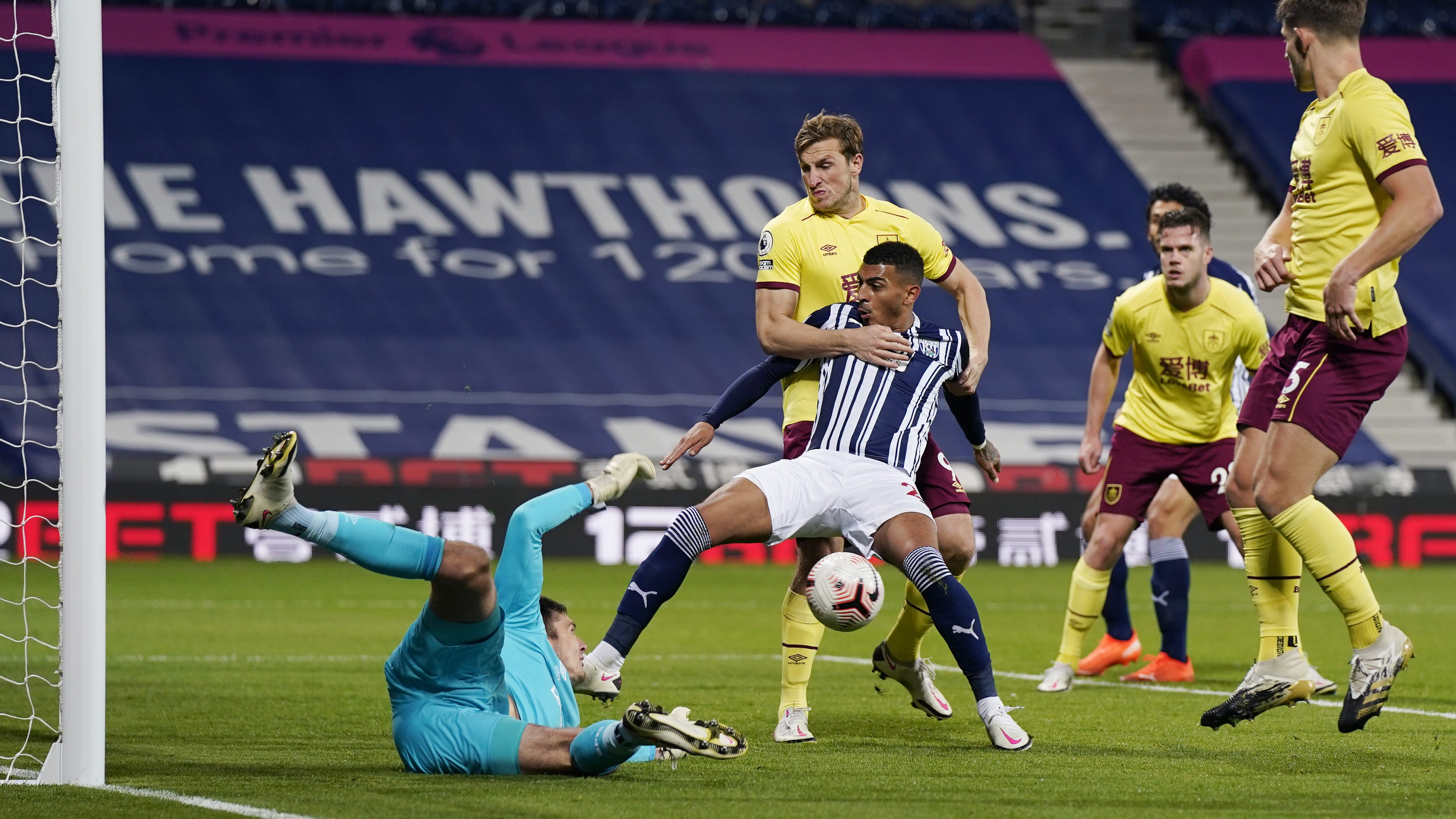 West Brom, Burnley play to first 0-0 draw of PL season